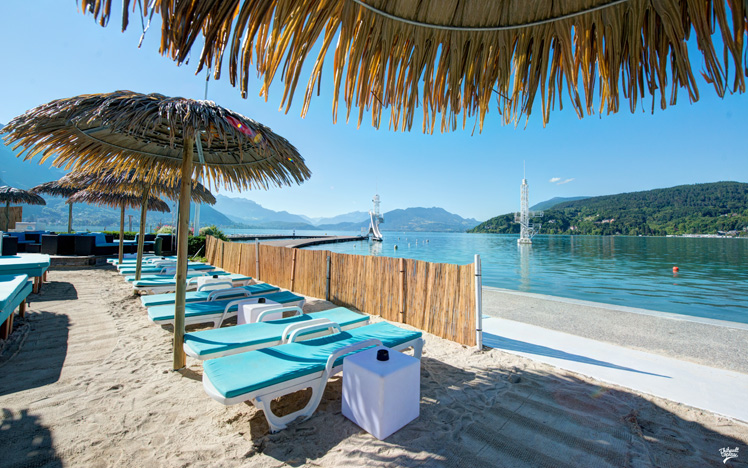 Moon Beach Annecy